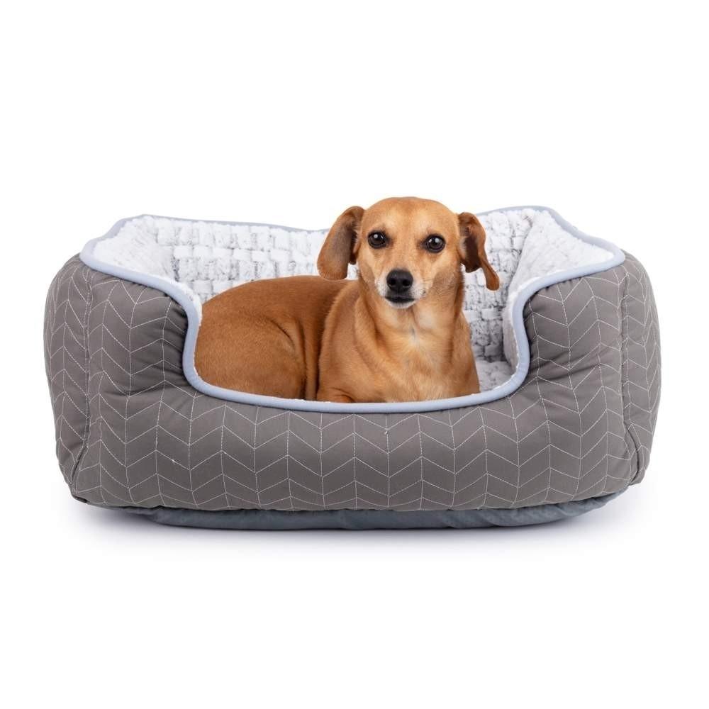 Klassisk fyrkantig hundbädd av fleece.